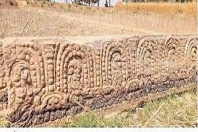 প্রত্নবস্তু ,   এক প্রাচীন পাথরের কথা